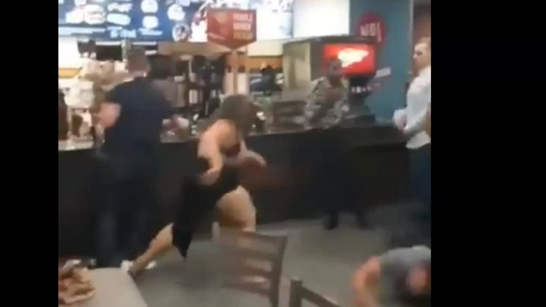 Fighting at McDonalds.mp4